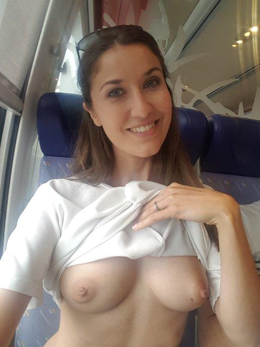 Oops I did it again 🙈   #flashboobs #train #tits #boobs #publicflashing #flashing #flash #funny https://t