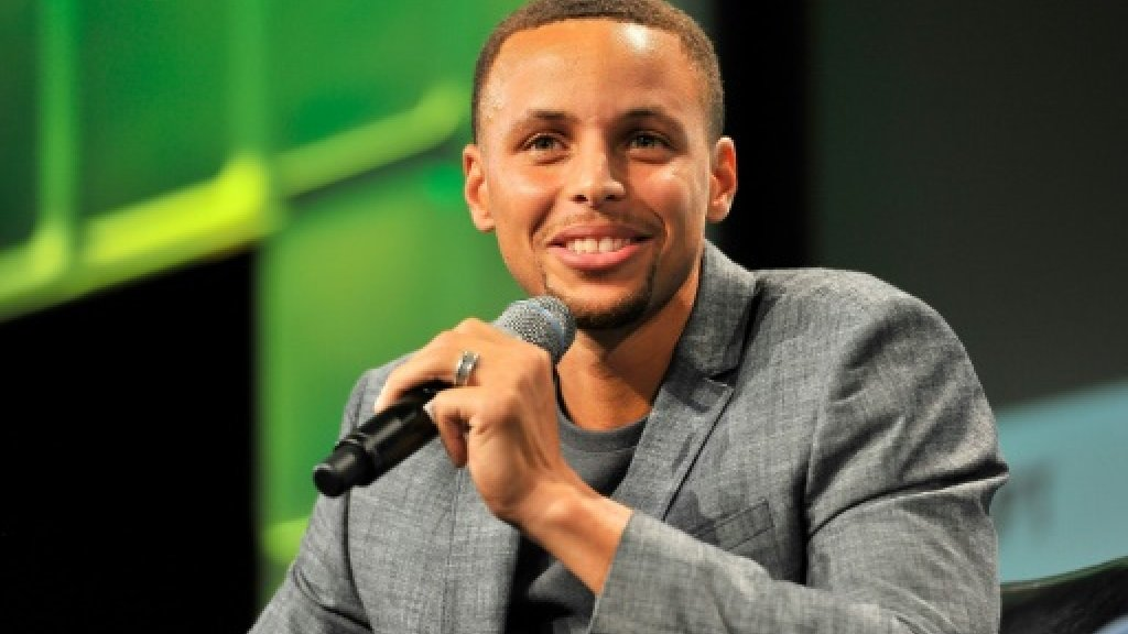 Warriors basketball star Curry to play second-tier golf event
