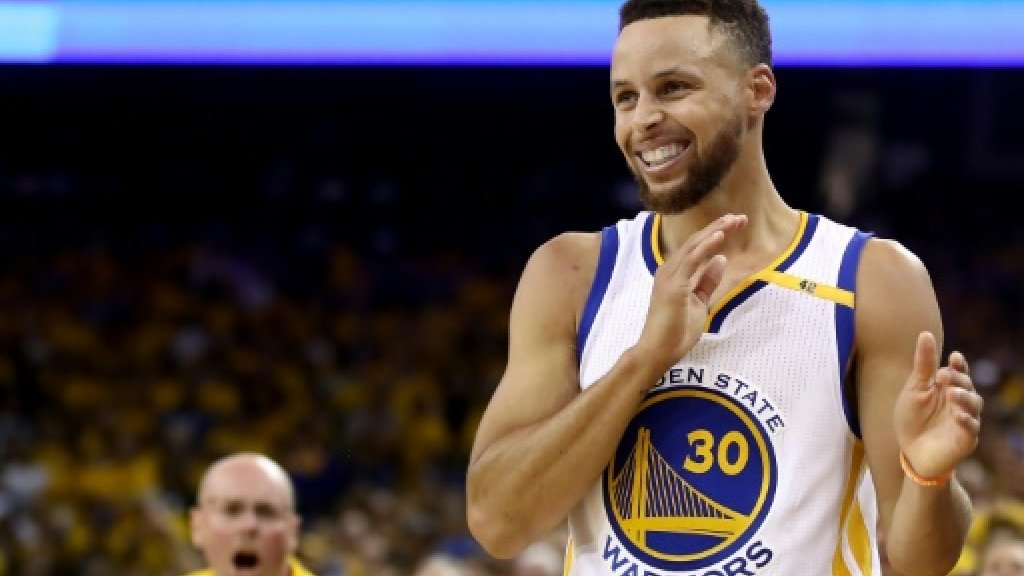 NBA/golf: Thompson backs Curry's pro golf debut
