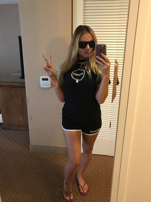 And that's a wrap...back home to #vegas   #teaganpresley #owned https://t.co/cQ1jLQWsUY