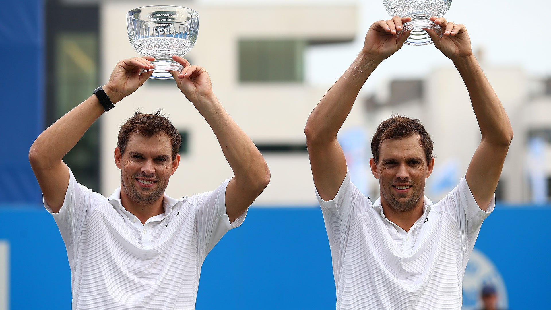 The @Bryanbros pick up their 113th #ATP doubles title at the #AegonInternational. Read: https://t.co/n22I6EfJtc https://t.co/F4CACbbyFU
