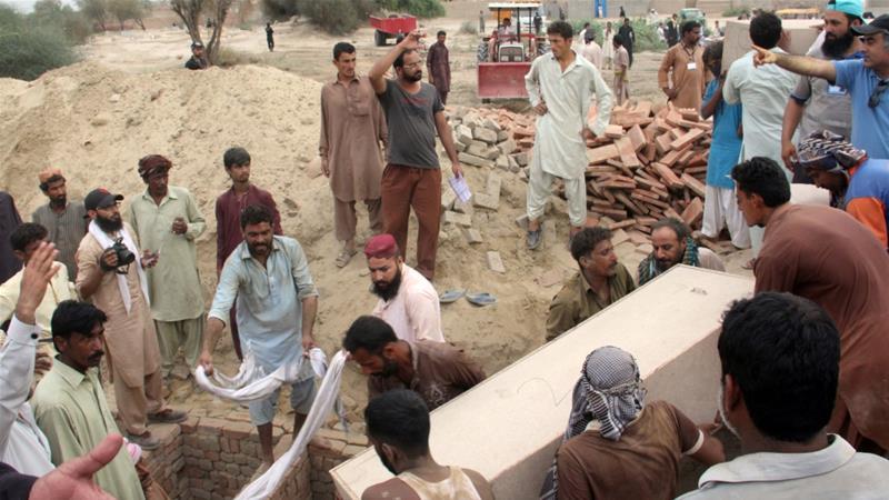 Death toll in Pakistan's oil tanker blast earlier this week has reached 190