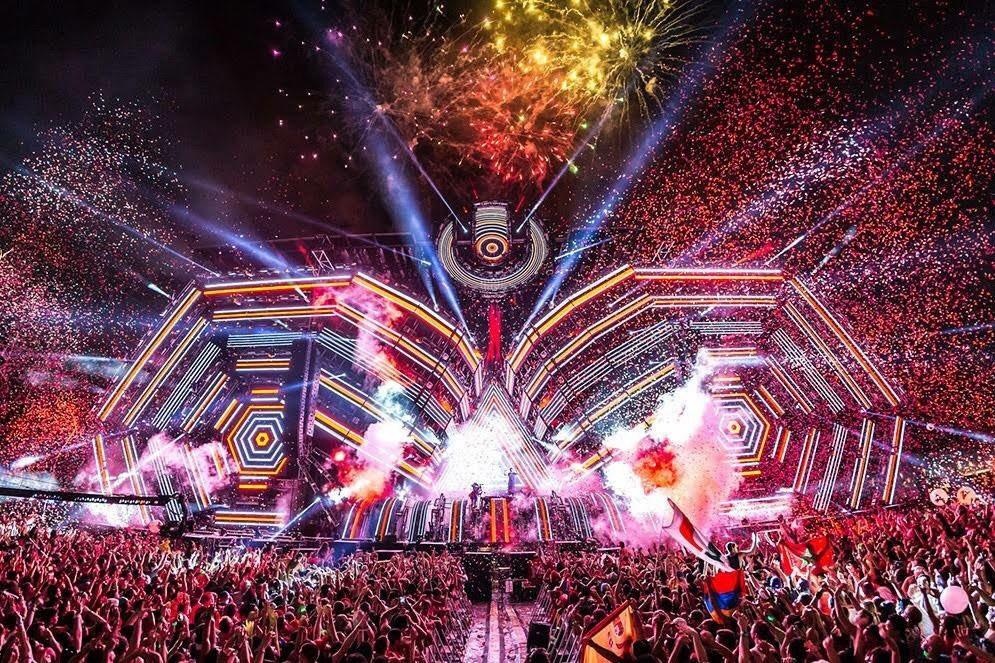 RT @ElexMN: #EsteViernesTeDigoQue me urge ir a un festival de música electrónica 😫💔🔥 https://t.co/yMhWnuApIK