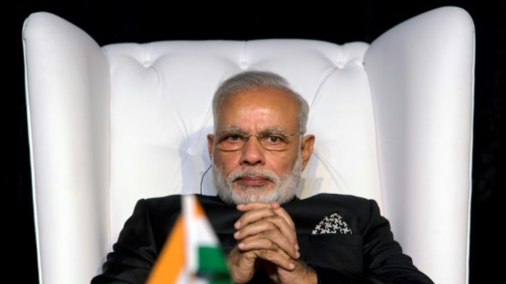 India launches national tax amid business doubts