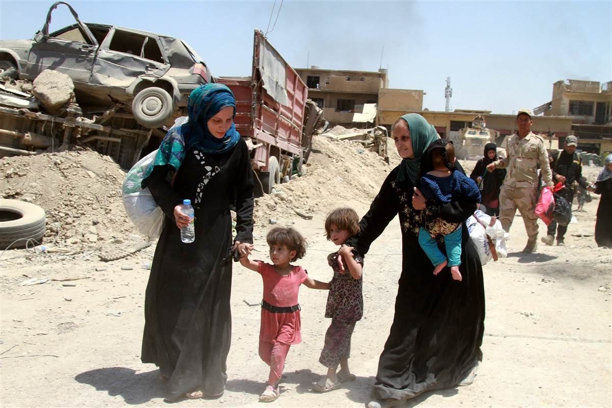 U.S.-backed forces squeeze ISIS fighters in Iraq's Mosul
