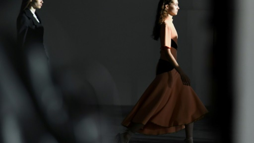 US labels make Paris debut on haute couture catwalks