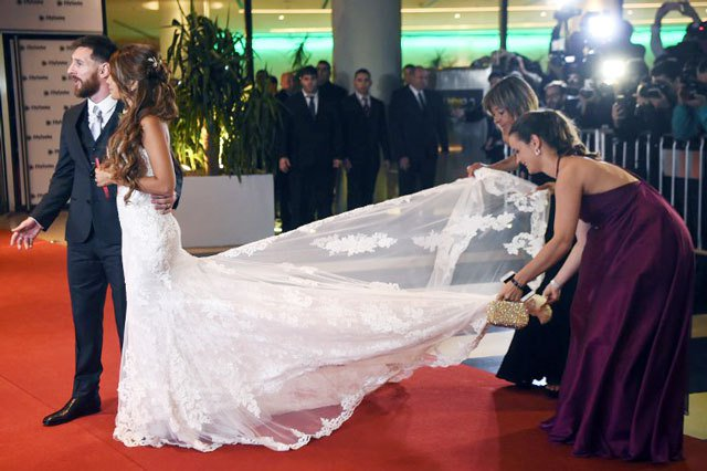 Football star Messi weds childhood sweetheart