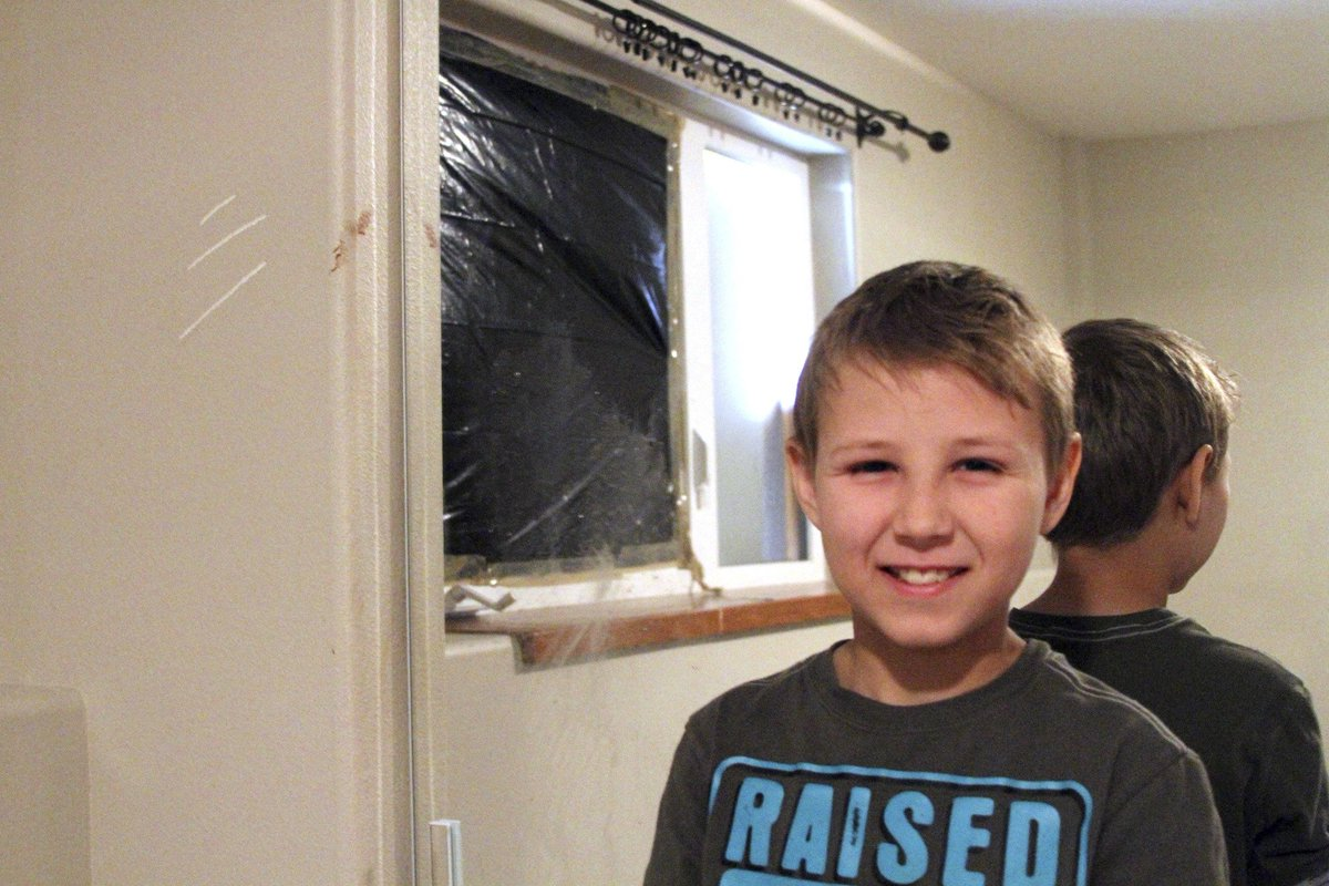 Bear crashes through window of Alaska boy's bedroom, causes panic, then flees