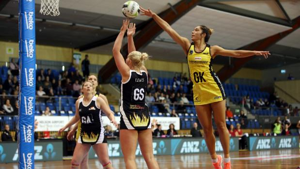 Central Pulse, New South Wales make strong starts at Super Club netball competition