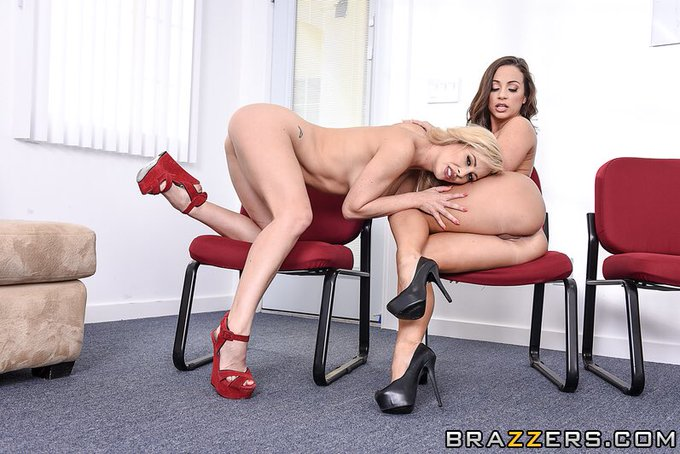 4 pic. New scene on @Brazzers with @CherieDeVille and @KeiranLee check it out loves 👉🏼https://t.co/DzQXHNZjk7👈🏼