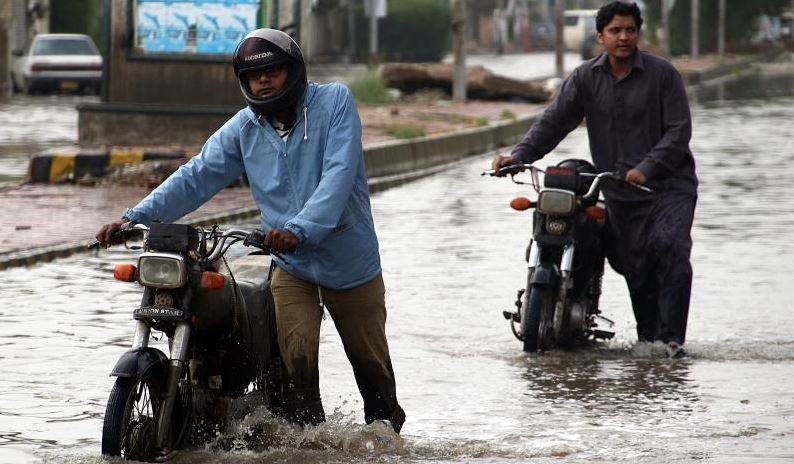 Flash floods kill 11 in Pakistan: Officials