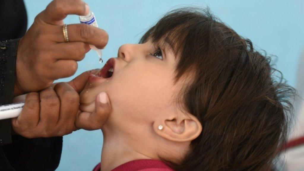 Polio worker 'shot dead in NW Pakistan'