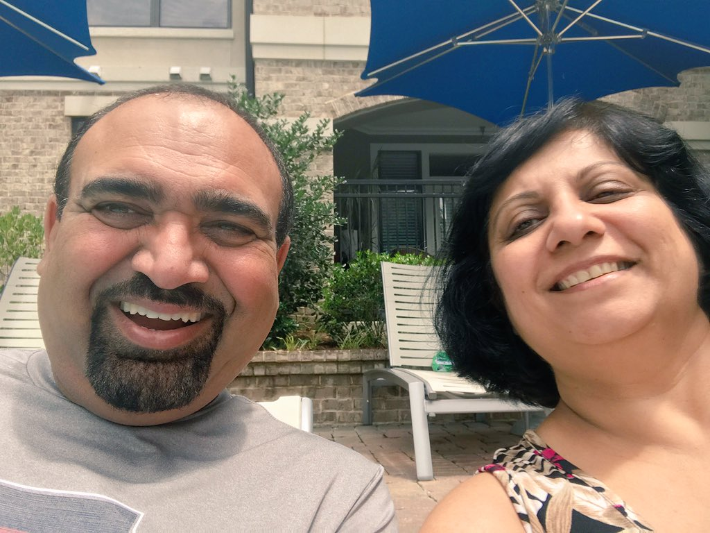 My parents are having a #staycation at my apartment complex this weekend and it's the cutest thing. https://t.co/iyzWtIuNbc