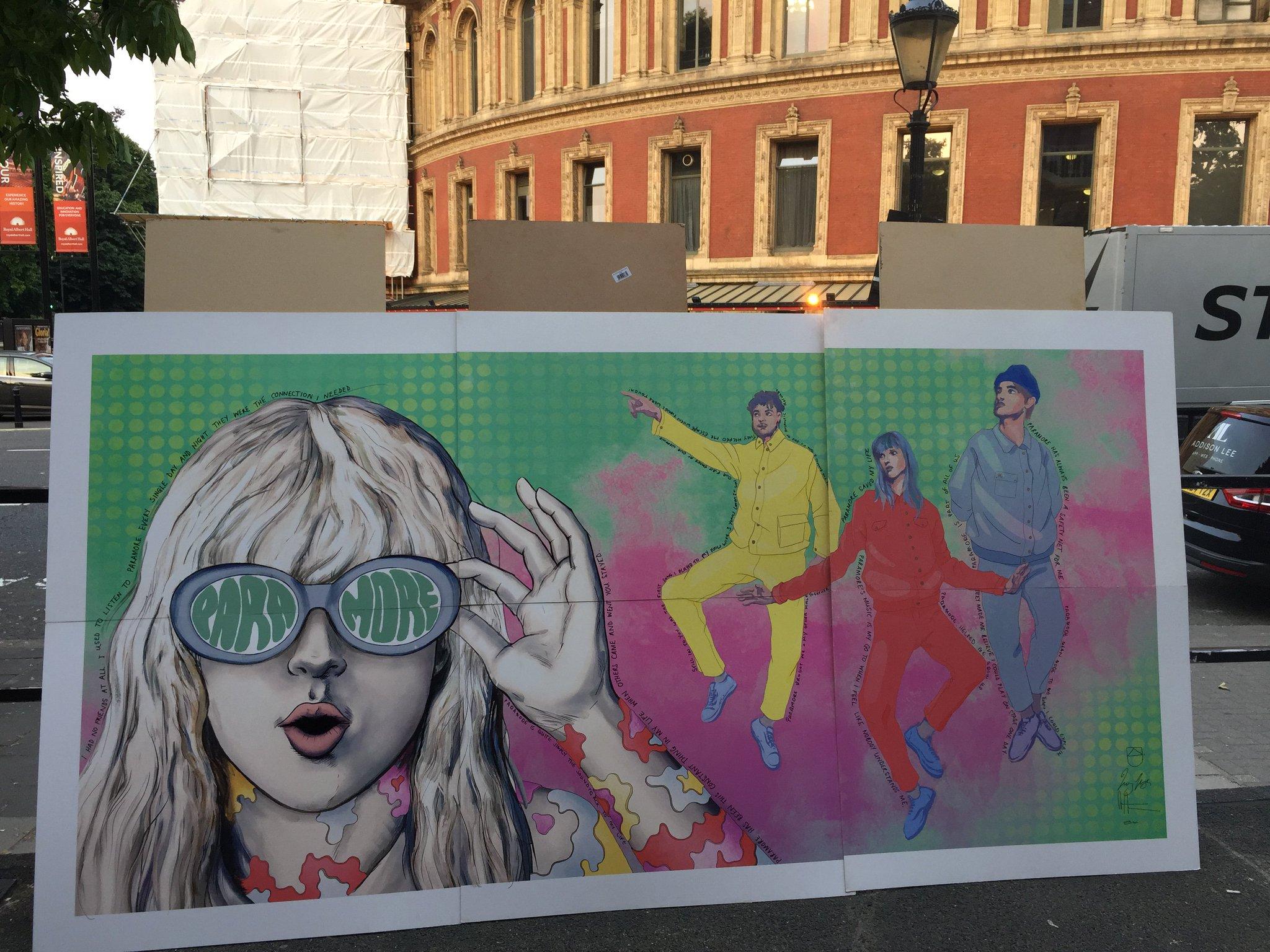 Hard Times �� in London, mural by @missledster. https://t.co/1lLcWwMNZC