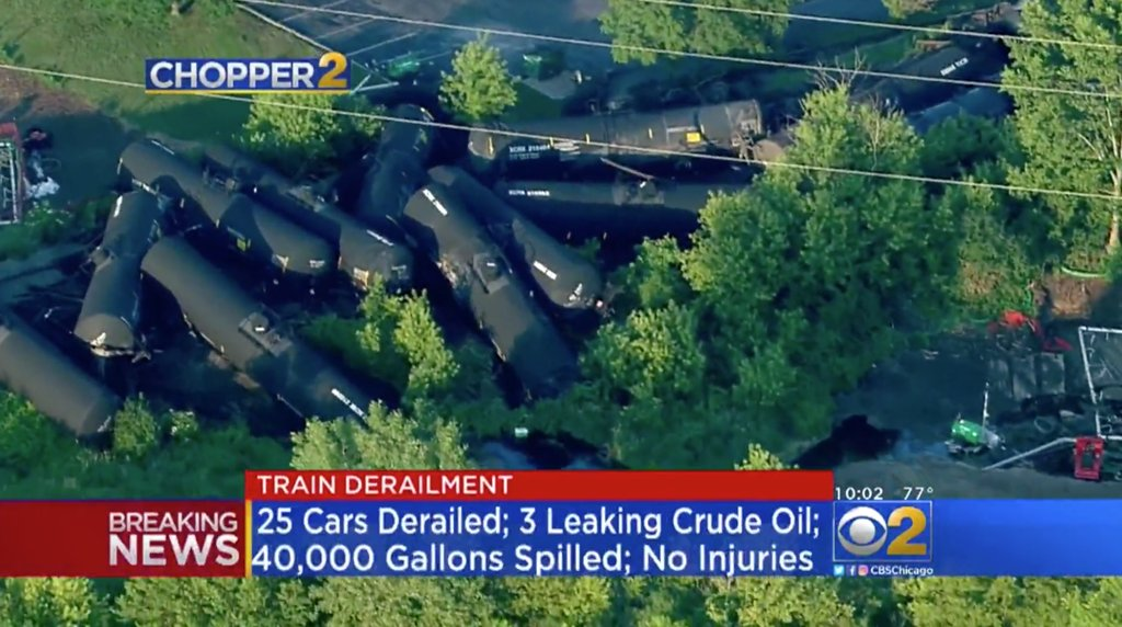 45,000 gallons of crude oil leak after train derails in Illinois