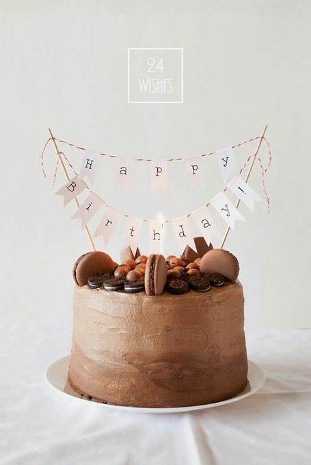 Since is your birthday, happy birthday Lee Taemin sunbaenim! This is a cake for you,i wish you like it