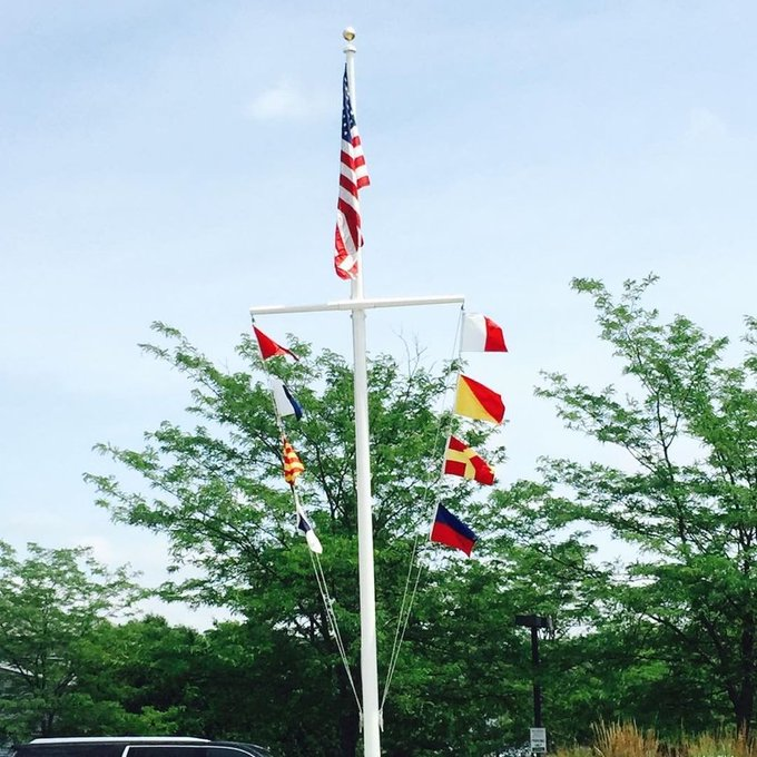 #NauticalFlagpole #flagpoles #CodeSignalFlags Spell your message out.  #LakeGeneva,WI https://t.co/MZJVoMvAYC https://t.co/OlxdClVjzF
