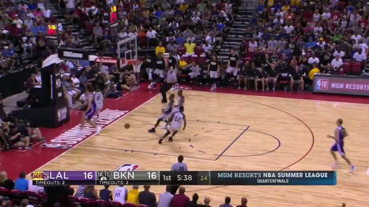 The @BrooklynNets run out in transition during the #NBASummer Quarterfinals!  WATCH: ESPNU https://t.co/uvuGVZQLXa
