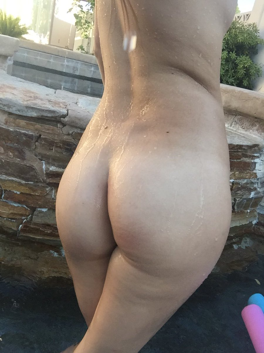 1 pic. Naked in the pool! Nothing better! ❤️😊 AP6CxmcQLe