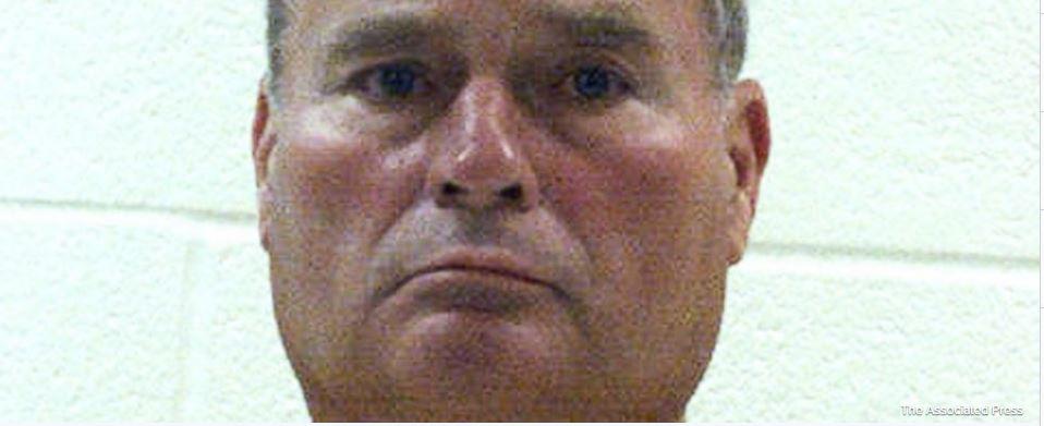2 Penn State ex-officials begin jail terms in Sandusky case https://t.co/VdzavG6r7H https://t.co/90k9RcKBX8
