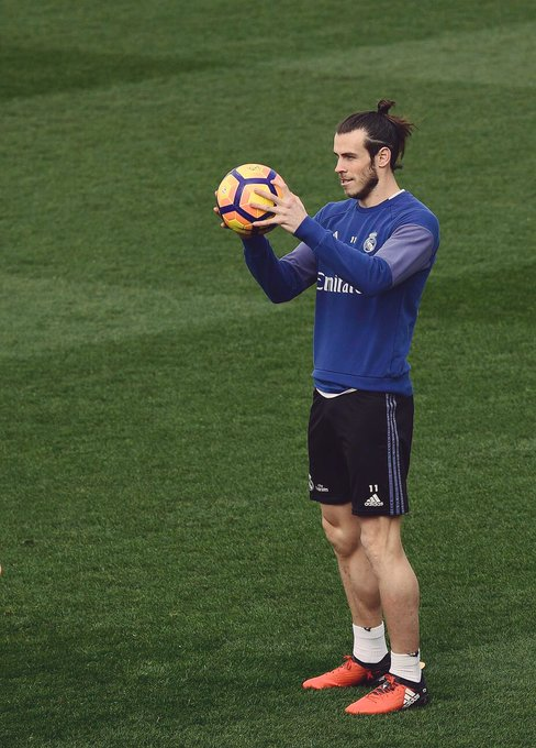 Happy Birthday Gareth Want nothing more than a fit Gareth Bale this season!