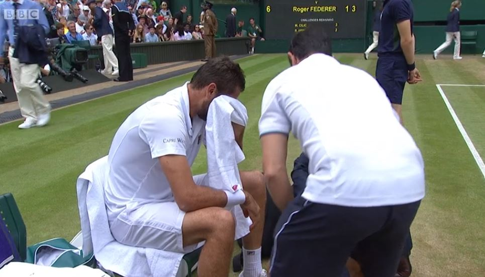 Marin Cilic is in tears on Centre Court.  https://t.co/Lbl5QGvF8T https://t.co/E1JOYSouKW