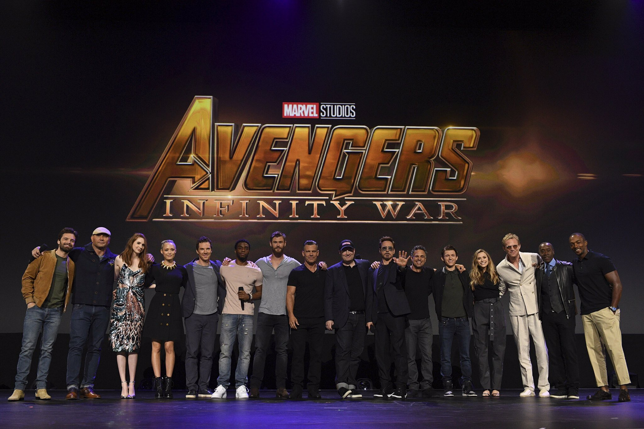 The cast of Avengers: #InfinityWar took the stage at #D23Expo! �� https://t.co/8EHpWolkbF