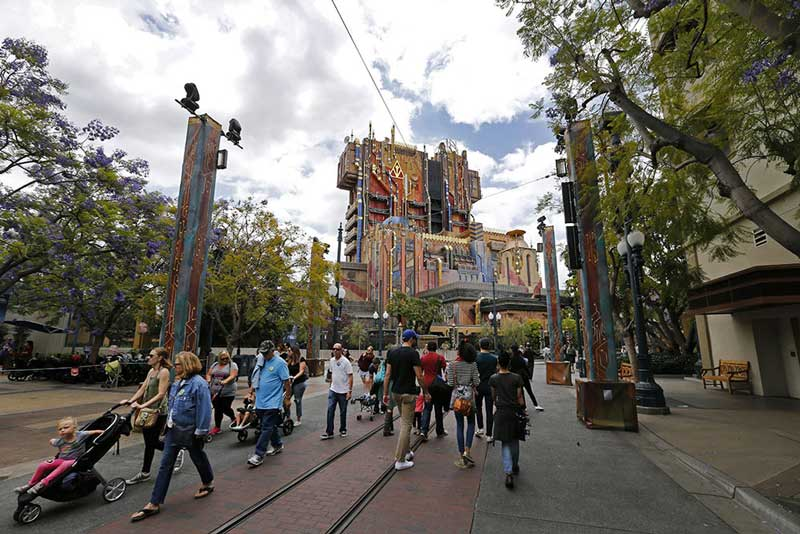 Don't waste your time at Disneyland. Here's how to avoid the lines https://t.co/GcFYpSTimy https://t.co/ju9NQe4g2U