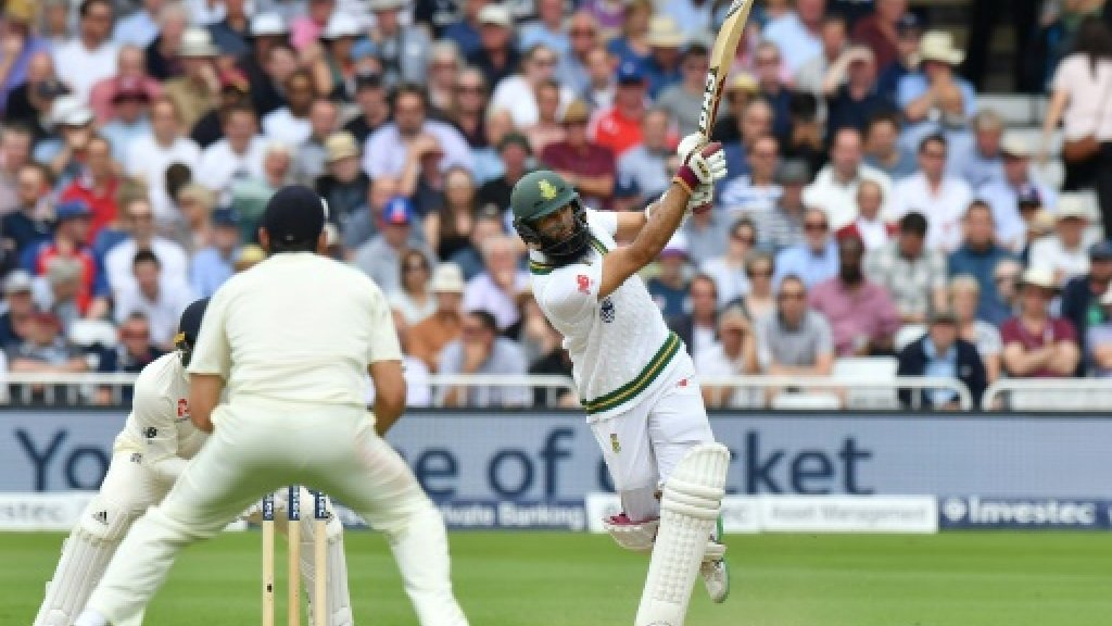 Amla strengthens South Africa's grip on second Test