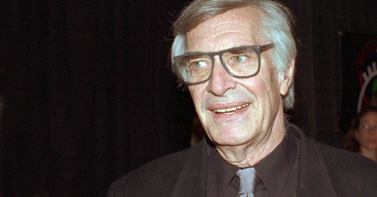 RIP Martin Landau. He was a giant, appearing on so many of our MeTV shows. https://t.co/udZ2uy72GZ https://t.co/Vz5FWrQ6W2