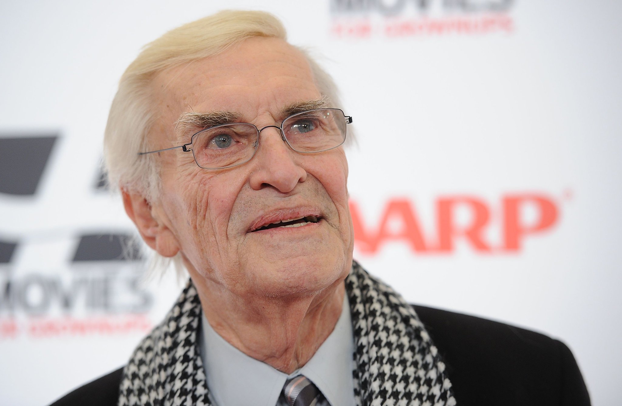 Martin Landau has died at the age of 89. https://t.co/TBn6ifVbnQ https://t.co/DaYKCWqFGI
