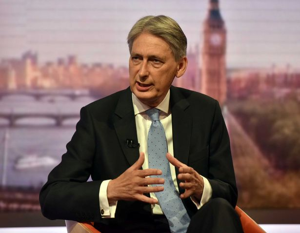 Moneybags Philip Hammond will pay for treating grafters with contempt | @Kevin_Maguire https://t.co/GwpTBPpLAP https://t.co/5aMbkeADxP
