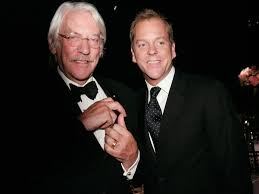 Happy Birthday , Donald Sutherland !!  Aquí con su hijo Kiefer, famoso actor televisivo