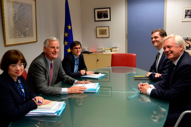 There's something wrong with this photo of Britain's Brexit talks https://t.co/zpIYKYAJQN https://t.co/K9o07hvcZO