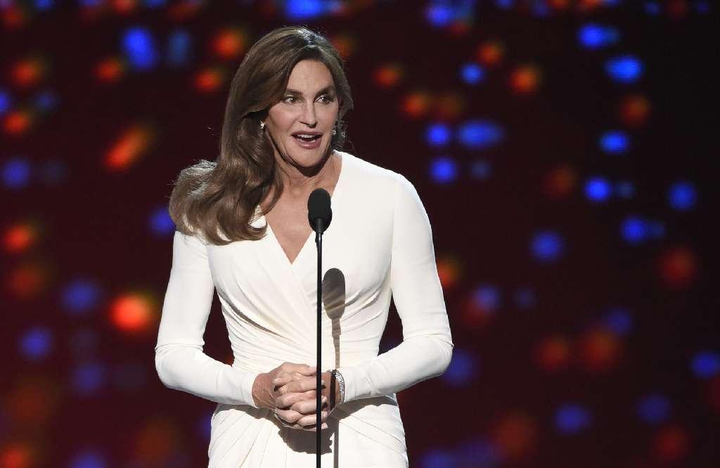 Caitlyn Jenner considering a bid for U.S. Senate in California https://t.co/ylLJHbwYta https://t.co/emq1LHkbWW