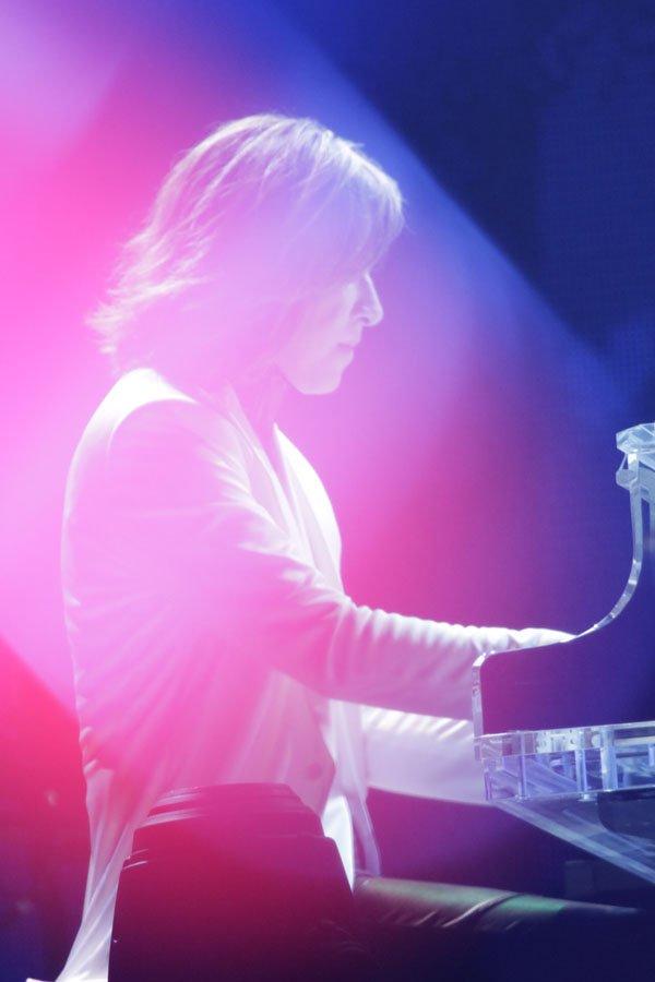 test ツイッターメディア - 【X JAPAN】 「一音一音に魂を込めて」 YOSHIKI命懸けのパフォーマンスで<奇跡の夜の6日間>見事完走! アコースティックライブで炸裂するXジャンプ! X JAPANの歴史に残る日本ツアーが遂に閉幕! ▶️https://t.co/xozETf1zNg https://t.co/6dQ0soPNVb