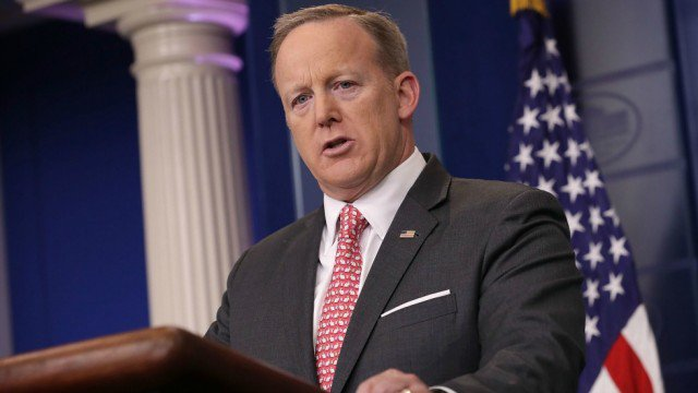 Spicer to hold first press briefing in nearly three weeks off-camera https://t.co/bL7R0DlPJ0 https://t.co/U6TSBm07Qz