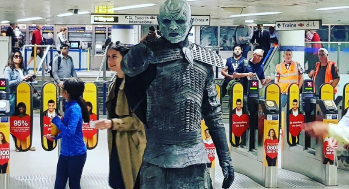 White Walkers are stalking commuters at this London train station https://t.co/xxM7YIwaUb https://t.co/bIOWiDFdoD