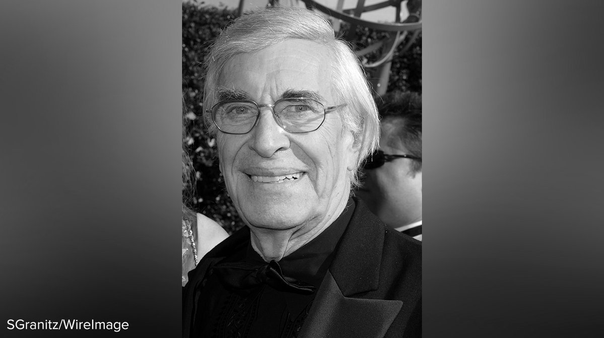 Oscar-winning actor Martin Landau has died at age 89. https://t.co/zrWROmc9QO https://t.co/RRQcfj8KeK