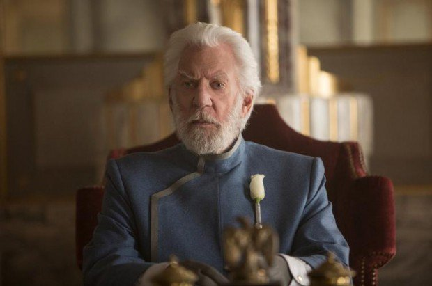 Happy birthday to our President Snow, the brilliant actor Donald Sutherland! We wish him a wonderful day!