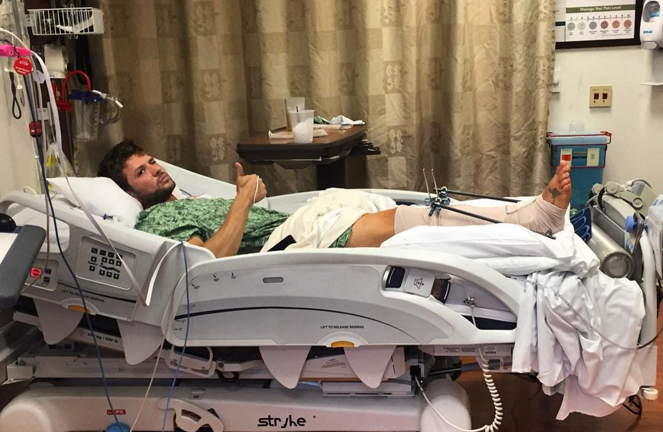 Ryan Phillippe reveals he broke his leg during 'family outing' after posting hospital photo https://t.co/rtqzdx6ko1 https://t.co/San07F6oxL