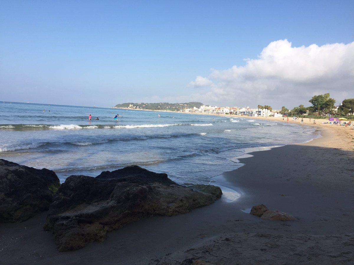 RT @corrigenda_es: Desde Altafulla (Tarragona), feliz verano y mejores vacaciones. https://t.co/Dpi5T7kZir