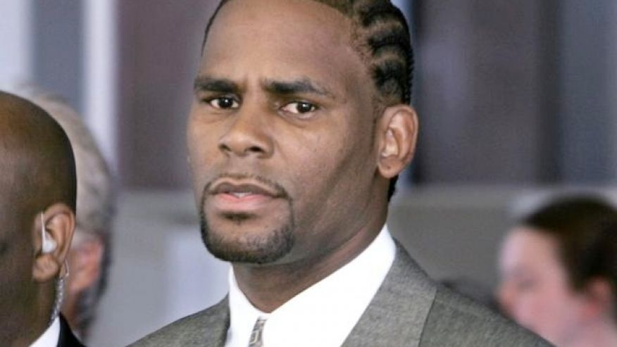 R. Kelly accused of housing a 'cult' of women in shocking report  https://t.co/OiouO4HX0p via @dianafalzone @Fox411 https://t.co/ci9bZemzWG