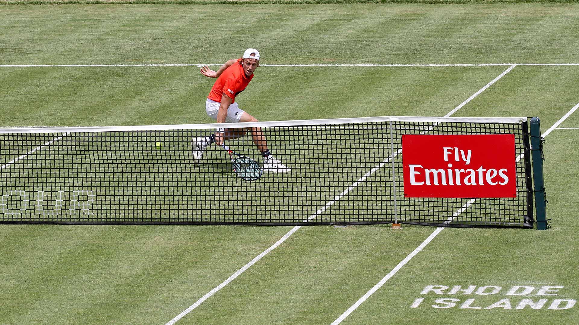 .@deniskudla wins an all-American battle to reach R2 at @TennisHalloFame. Read: https://t.co/vR4yZORehi https://t.co/xSChUUInlq
