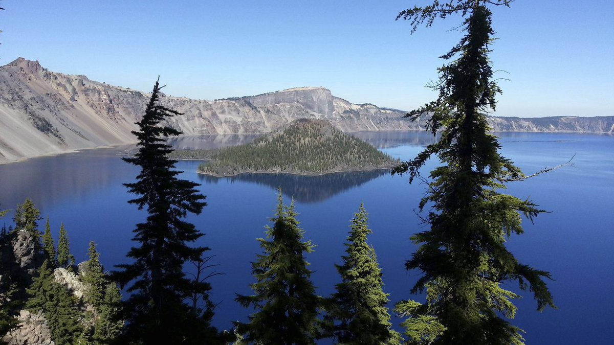 Florida man falls to death at Crater Lake National Park in Oregon  via @travfed