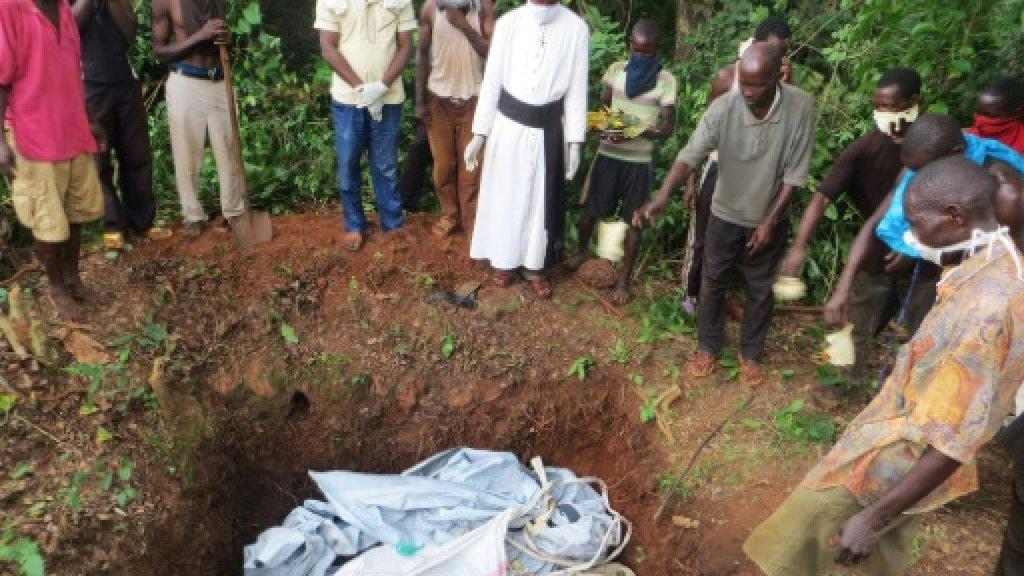 Via social media, priest recounts horror of Central Africa violence