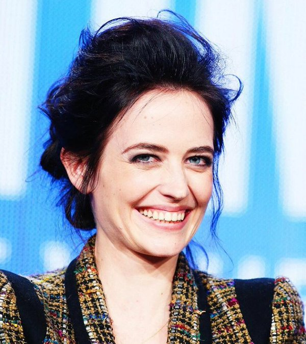 Happy Birthday to the owner of the brightest smile in the world : Eva Green