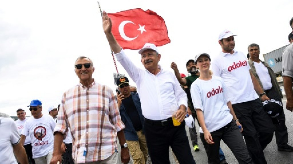 Turkey detains 6 IS suspects 'plotting attack on opposition march'