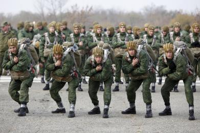 Russia's paratroopers are practicing military drills near NATO's Baltic border
