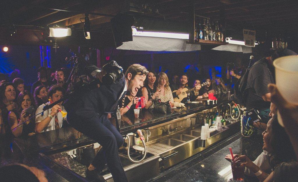 Atop the bar @theTroubadour shooting a #HITRECORDonTV music video.. ???? #TBT https://t.co/cWrCZ8IRV2